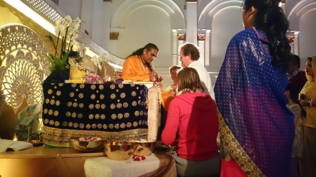 paramahamsa vishwananda london darshan 2016 1